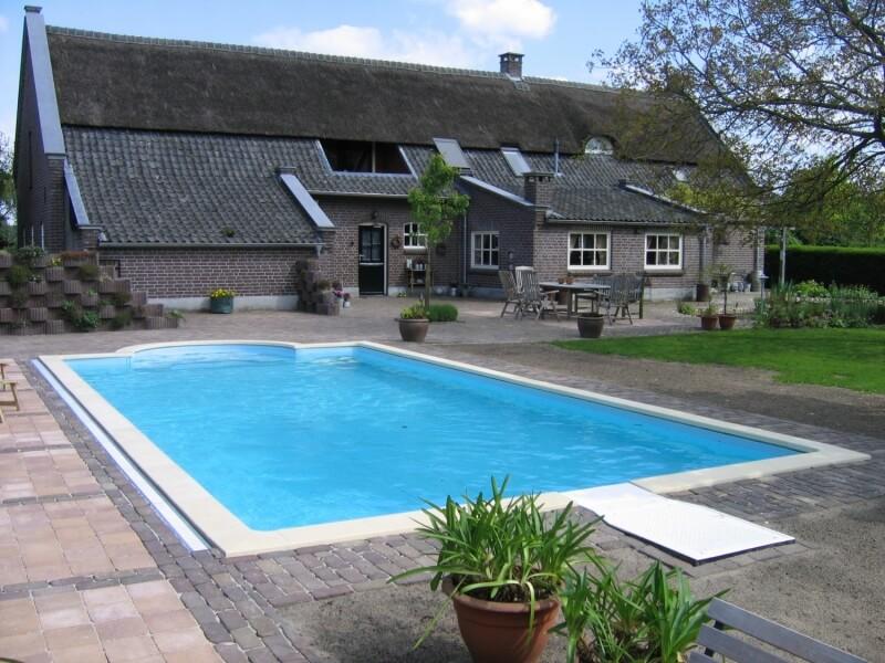 Projecten di jo zwembaden for Tuin met zwembad